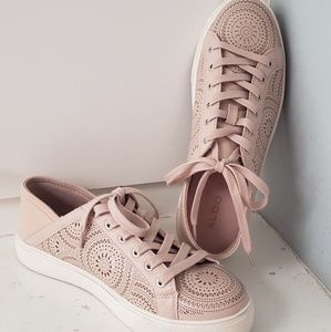 EUC Aldo laser cut tennis shoe